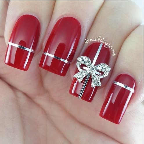 Gift-Themed Nails