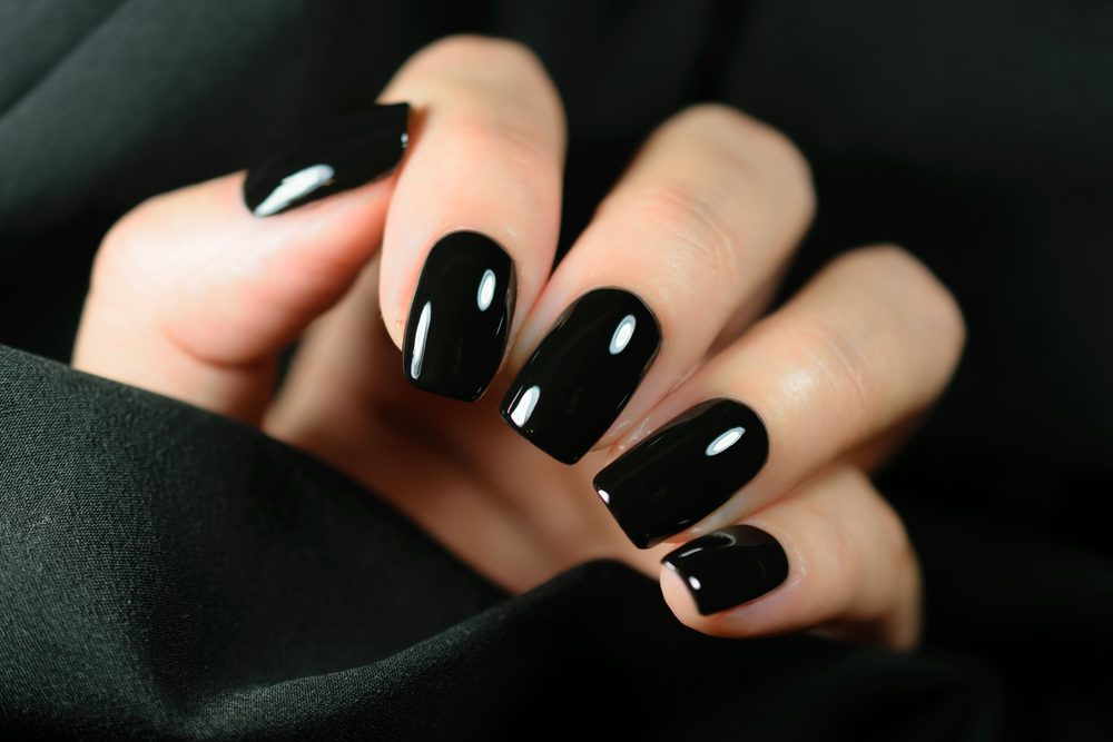 Black Nails Manicure