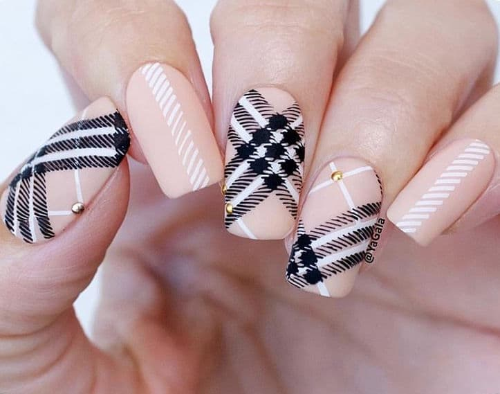 Nude, Black and White manicure