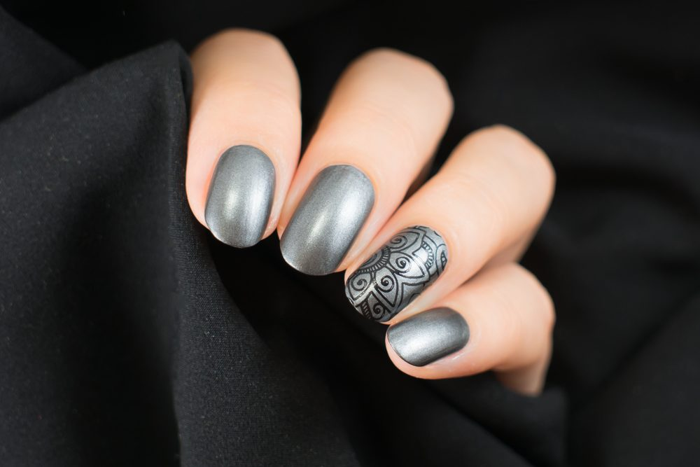 Grey Fashion NAils