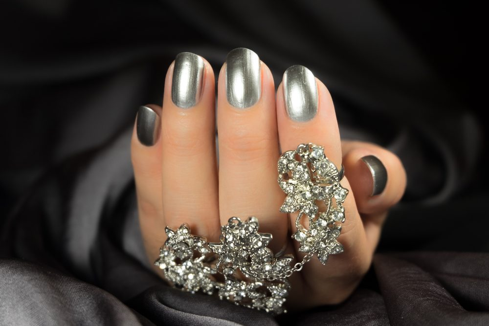 platinum round acrylic nails