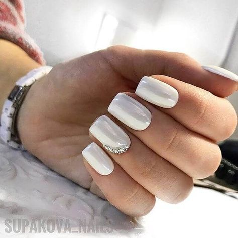 white gel nails designs