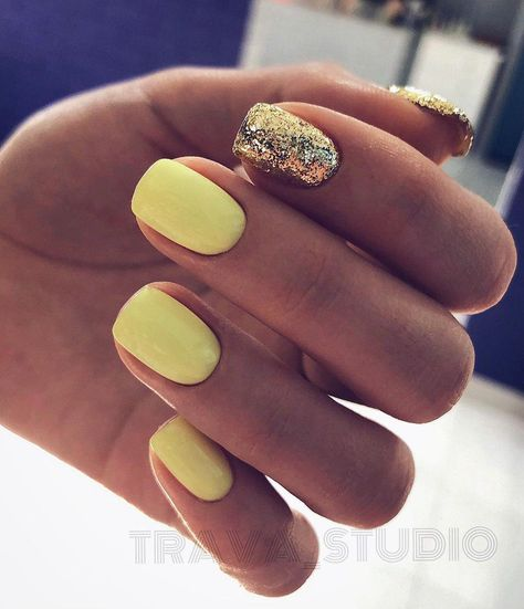 yellow nail color