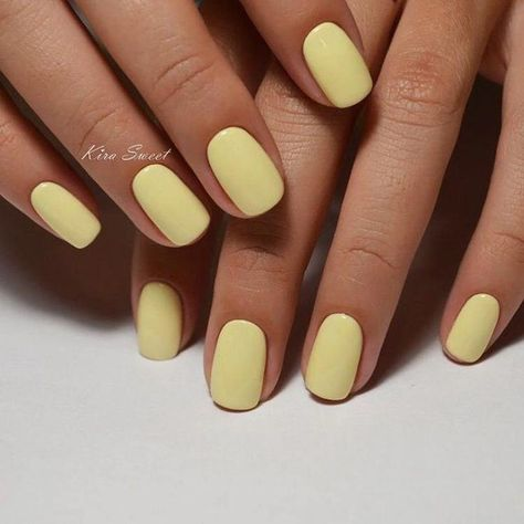 yellow gel nail design