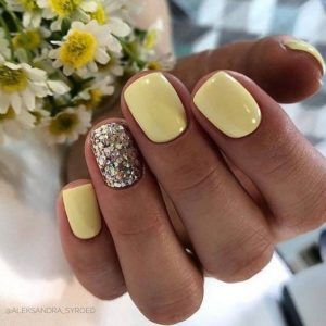 yellow gel nail